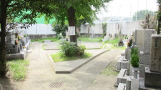 尼崎市梶ヶ島墓園の墓地内写真