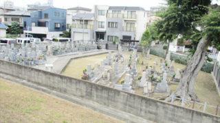 尼崎市冨田墓地の墓地内写真
